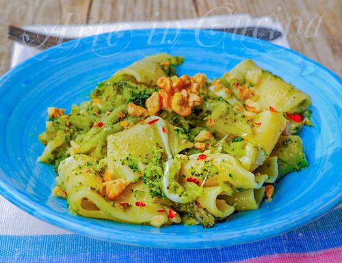 Paccheri con broccoli noci e mozzarella