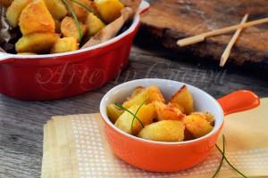 Patate croccanti sabbiate al pecorino in padella