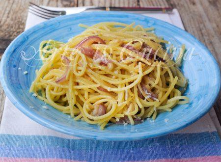 Spaghetti con cipolle ricetta napoletana veloce