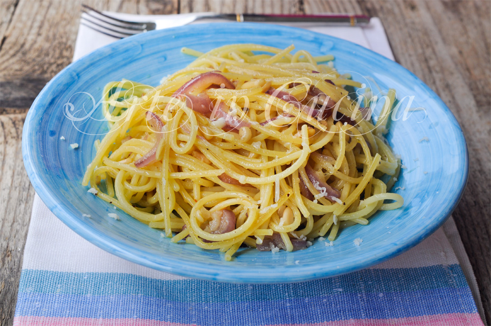 Spaghetti con cipolle ricetta napoletana veloce vickyart arte in cucina
