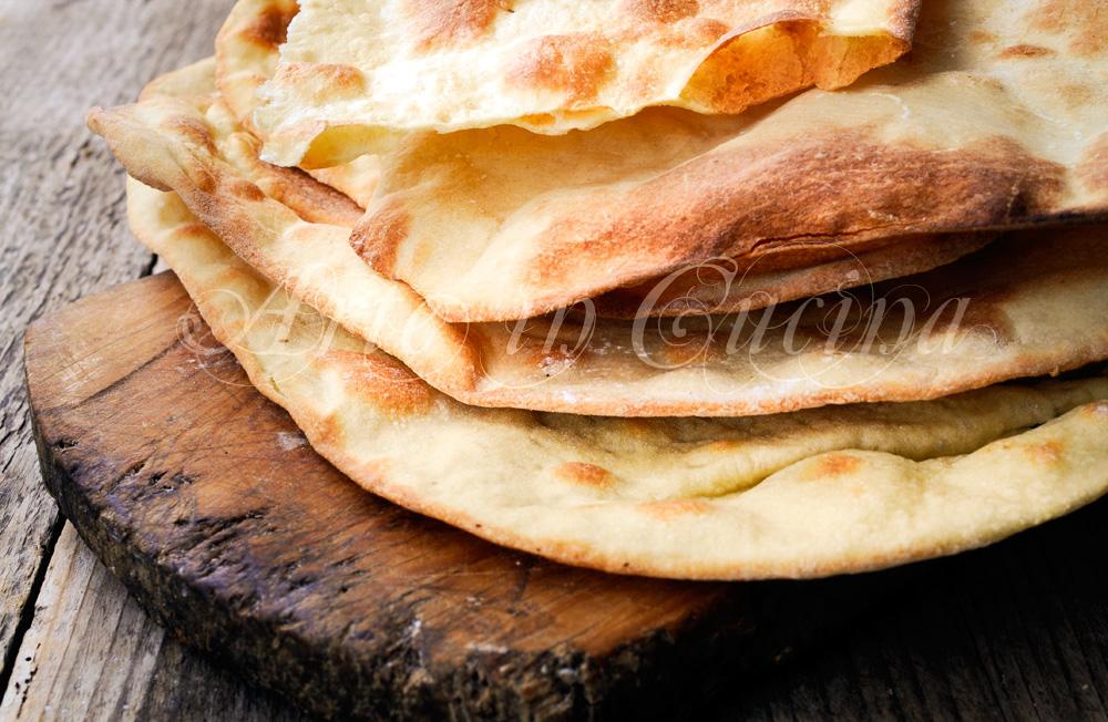 Spianata sarda ricetta facile tradizionale - Forno a legna casalingo ...