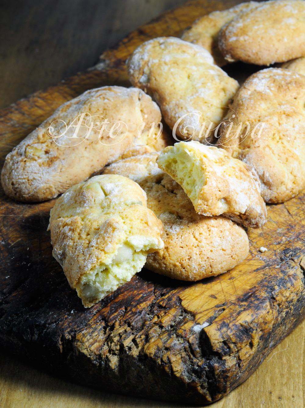 Biscotti del re alle mandorle ricetta facile e veloce vickyart arte in cucina