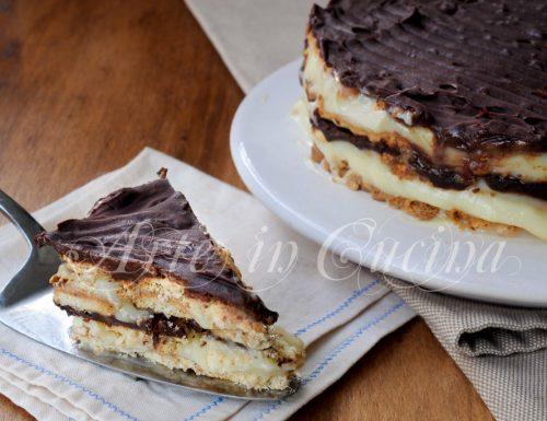 Torta di pastarelle con crema pasticcera e cioccolato