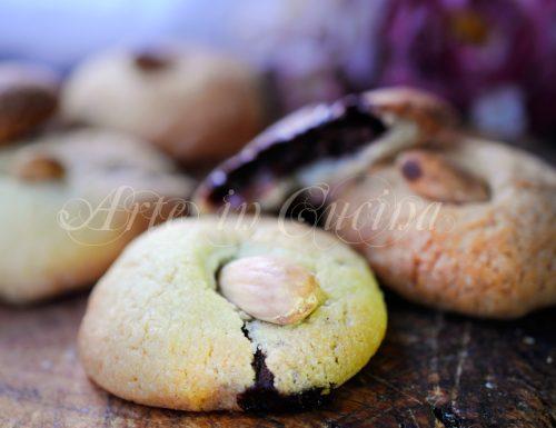 Biscotti ripieni alla nutella ricetta veloce