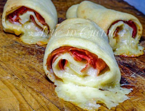 Involtini di piadina ripieni prosciutto e formaggio