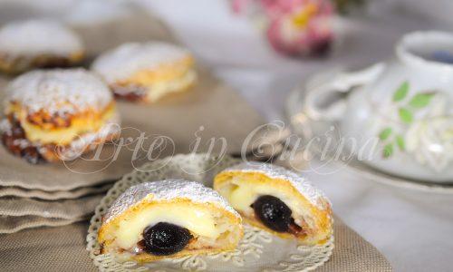 Monachine napoletane dolci di sfoglia e crema