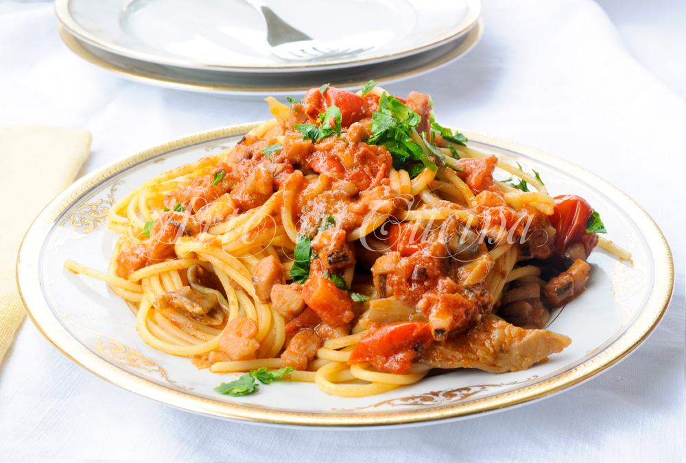 Spaghetti frutti di mare e carciofi mari e monti