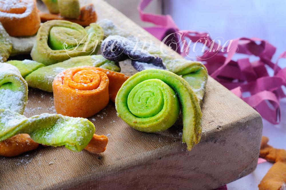 Stelle filanti colorate dolci di carnevale al forno arte for Ricette di dolci veloci
