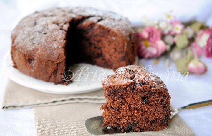 Torta soffice al cioccolato e arancia veloce