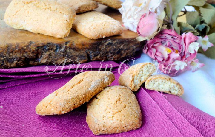 Biscotti con farine miste e panna da inzuppo