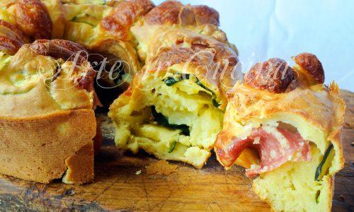 Ciambella ai formaggi con zucchine e salame
