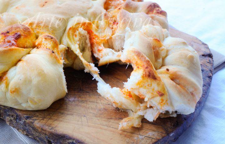 Fiore di pan brioche salato alla pizza ricetta facile