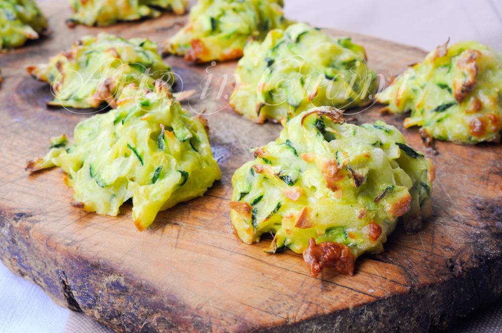 Frittelle al forno con zucchine e patate veloci for Cucinare le zucchine