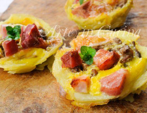 Mini tortini con funghi e salumi in sfoglia di patate