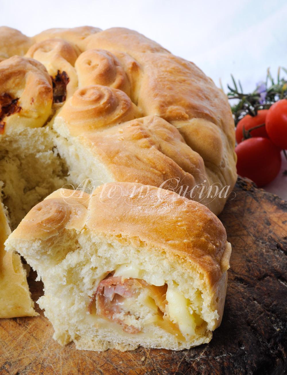 Ciambella fiore di pan brioche soffice al prosciutto vickyart arte in cucina