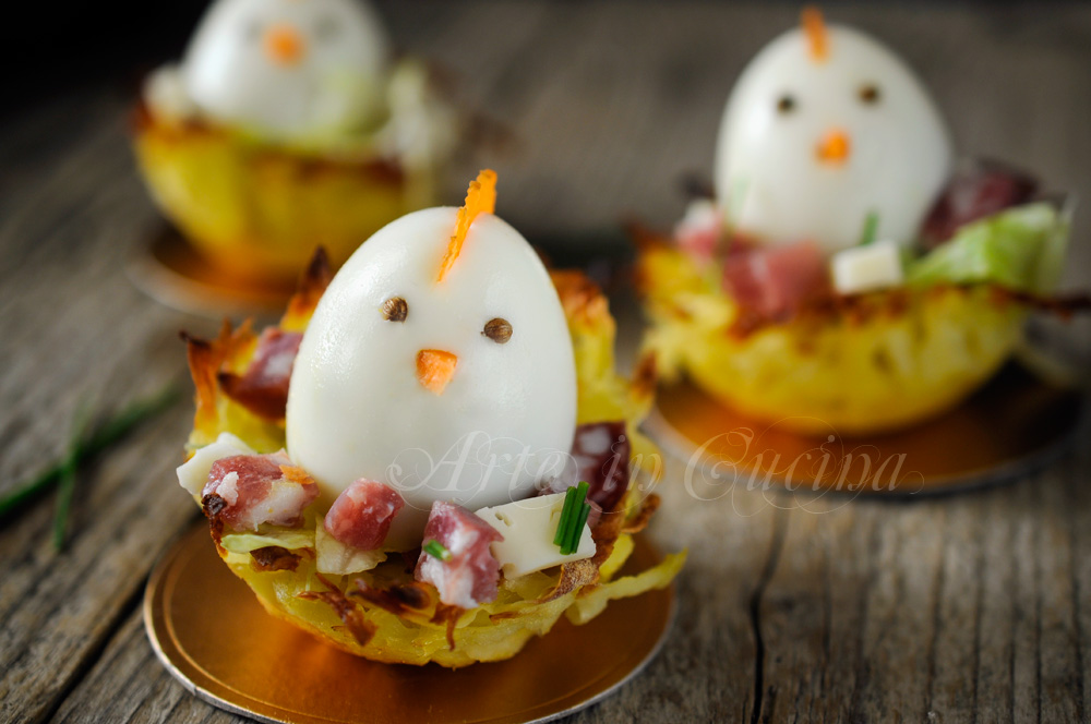Cestini di patate per pasqua con uova ricetta sfiziosa arte in cucina - Decorazioni per uova di pasqua ...