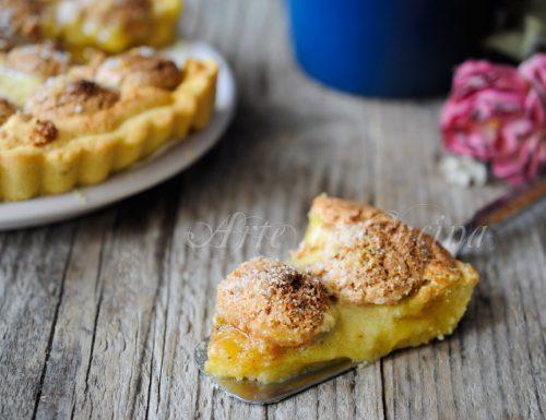 Crostata con crema di mandorle amaretti e marmellata