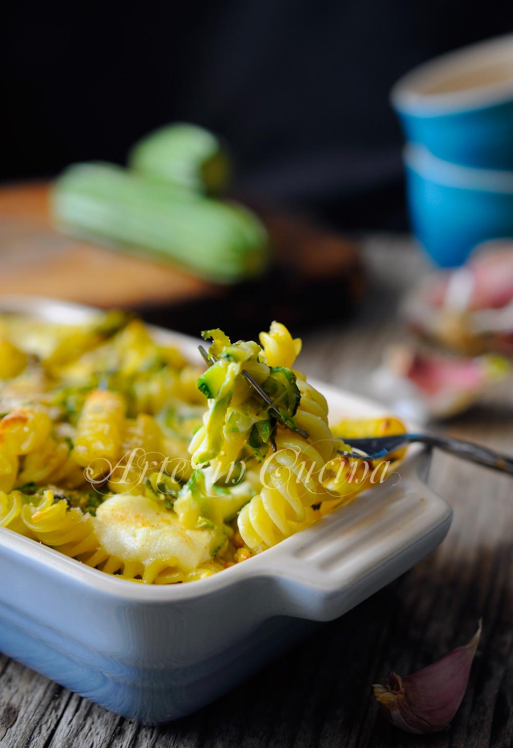 Fusilli con zucchine e provola gratinati al forno vckyart arte in cucina