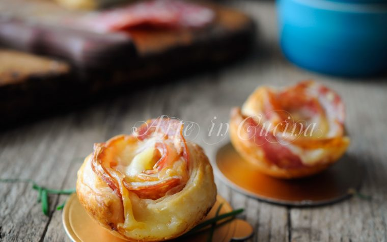 Rose di sfoglia al salame ricetta finger food veloce