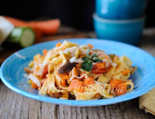 Tagliatelle al ragu di verdure facile e veloce