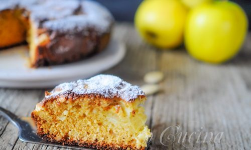 Torta integrale al miele mandorle zenzero e mele