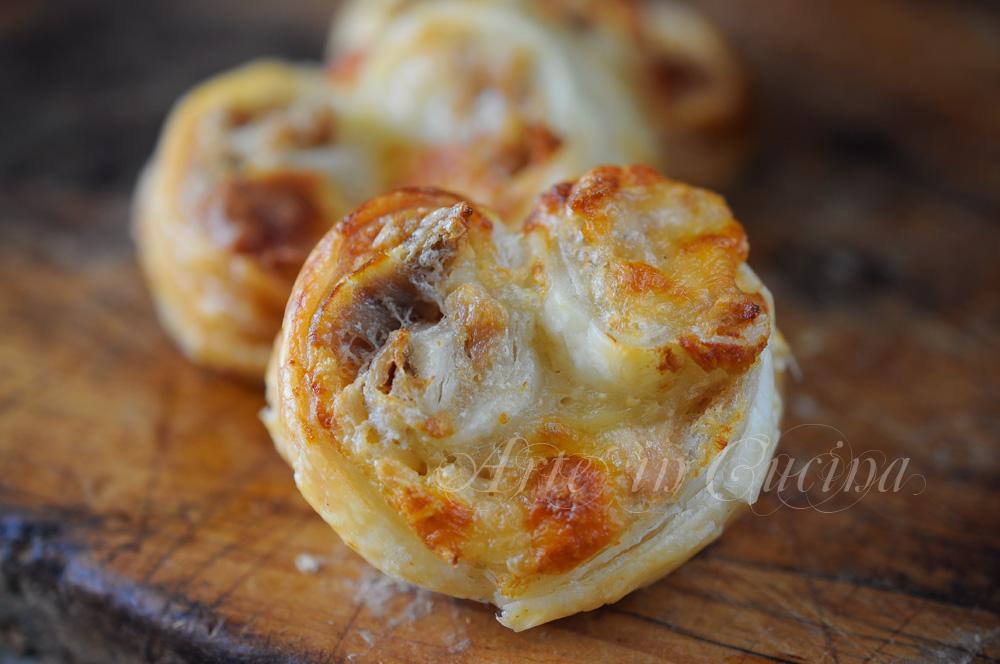 ventagli-tonno-gorgonzola-pasta-sfoglia-ricetta-veloce-1