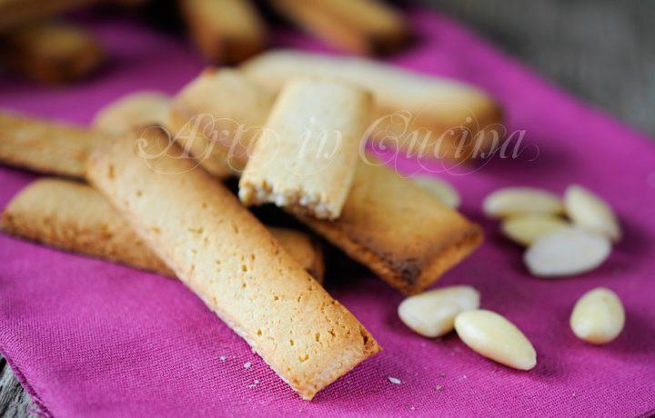 Biscotti al pepe e mandorle ricetta siciliana