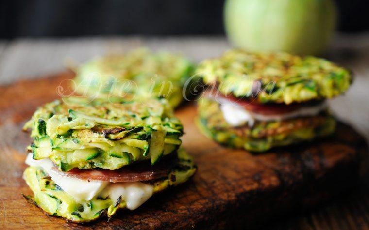 Hamburger di zucchine farcite ricetta veloce