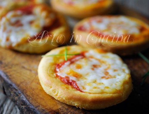 Pizzette al formaggio cremoso veloci facili