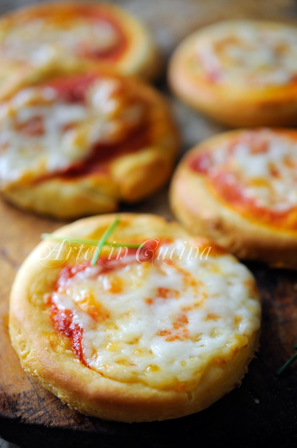 Pizzette al formaggio cremoso veloci facili vickyart arte in cucina