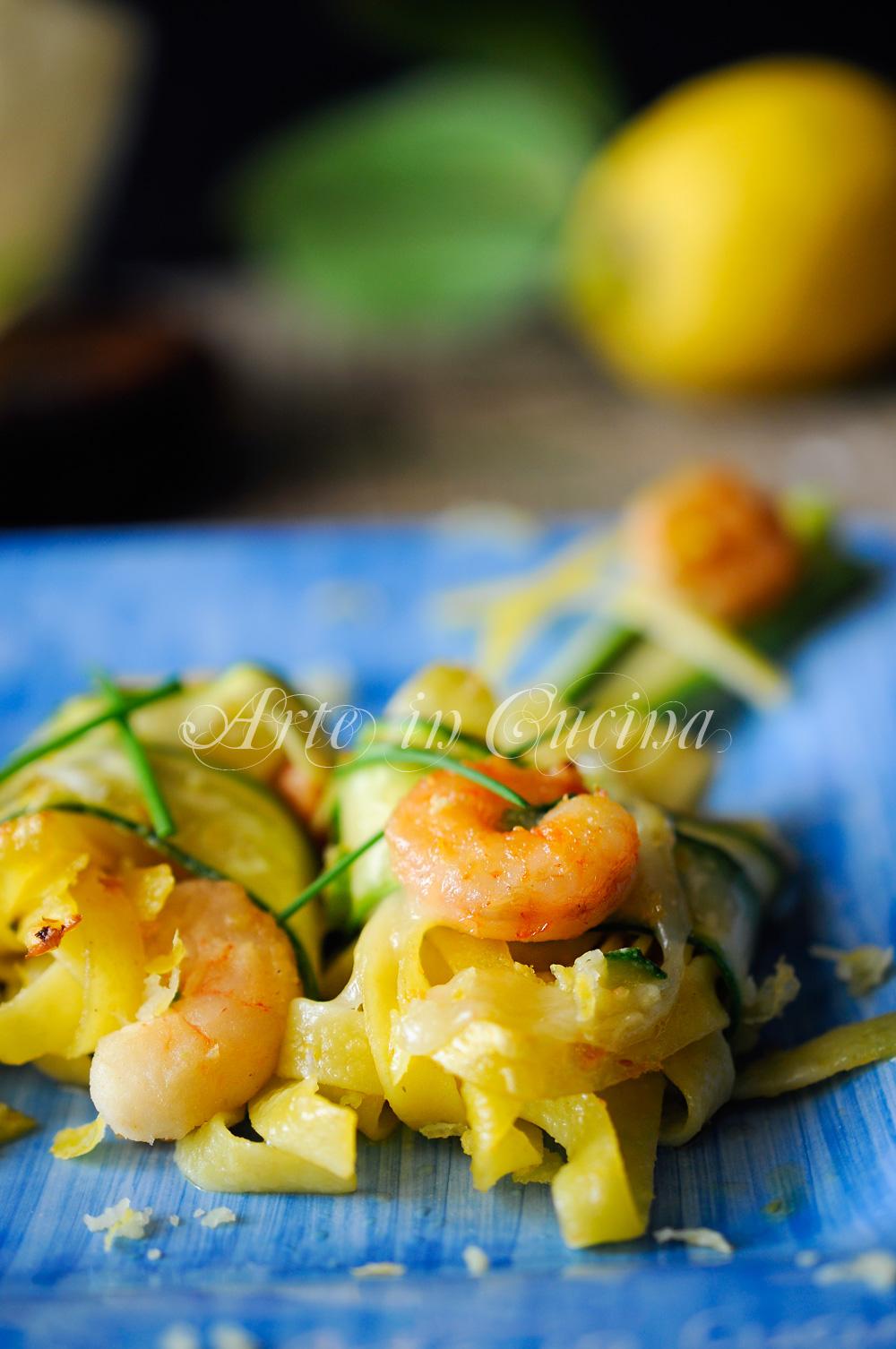 Tagliatelle zucchine e gamberi al forno vickyart arte in cucina