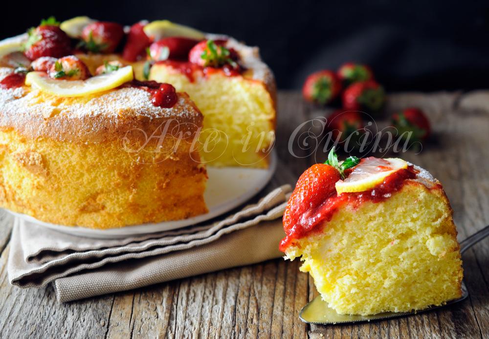 Torta fluffosa fragole e limone chiffon cake