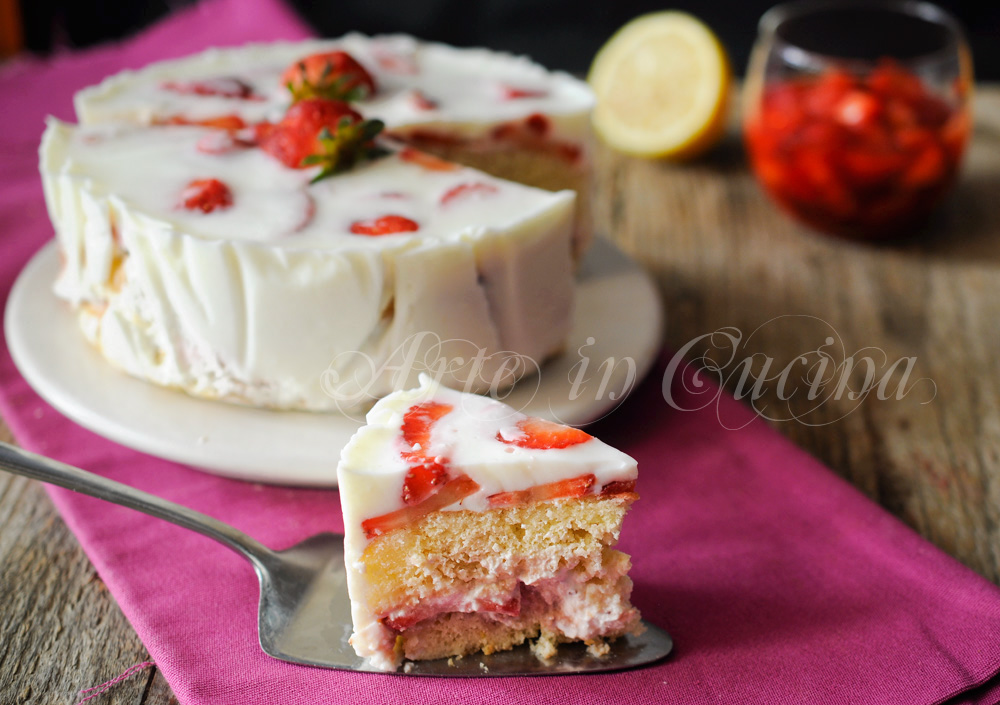 Torta di fragole leggera allo yogurt e crema vickyart arte in cucina