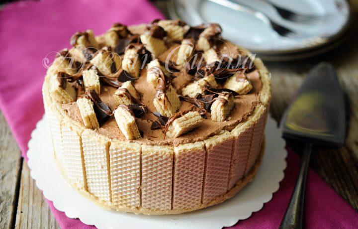 Torta wafer con crema al latte e doppio cioccolato