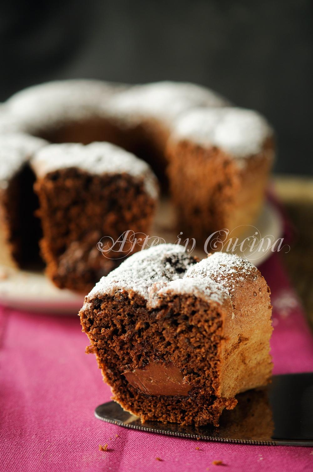 Ciambella al cioccolato fondente cuore nutella morbida vickyart arte in cucina