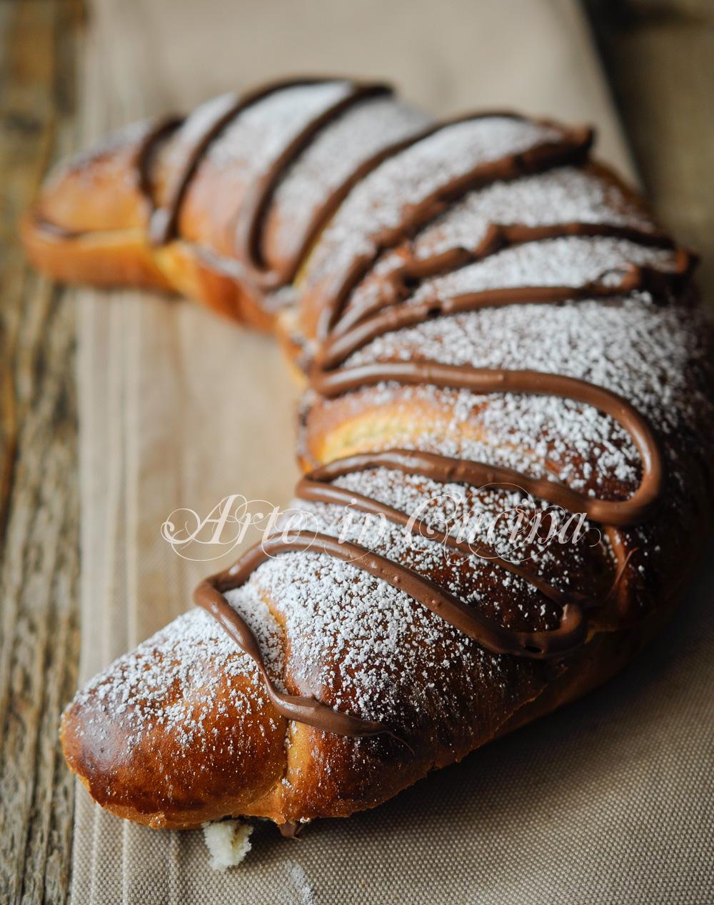 Cornettone gigante alla nutella ricetta facile vickyart arte in cucina