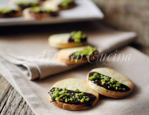 Frollini al pistacchio e cioccolato facili e veloci
