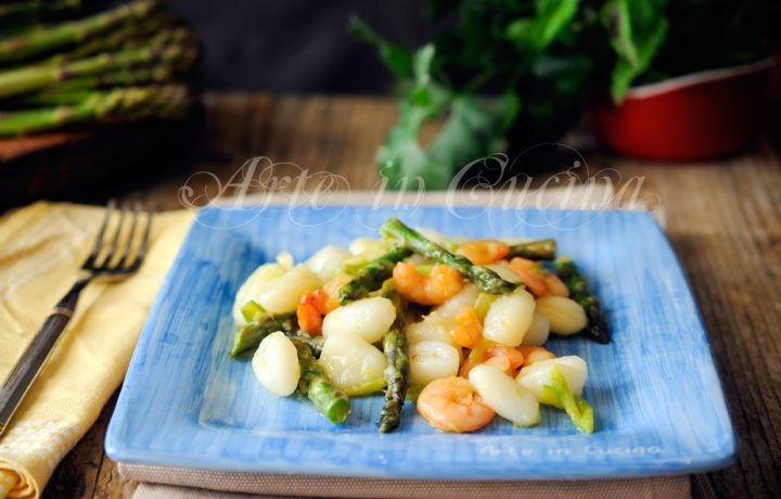 Gnocchi asparagi e gamberetti ricetta veloce