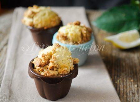 Muffin alla cannella con sbriciolata di biscotti