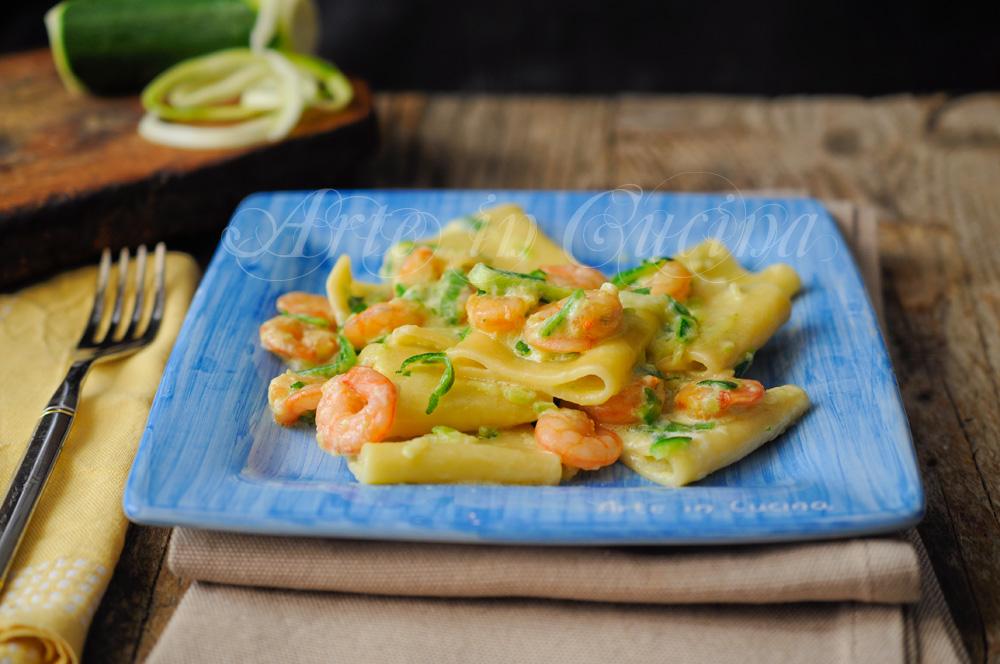 Paccheri risottati con gamberi zucchine e zafferano