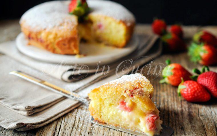 Torta morbida fragole e crema ricetta facile