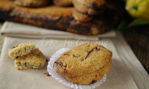 Biscotti con grano saraceno e cioccolato veloci
