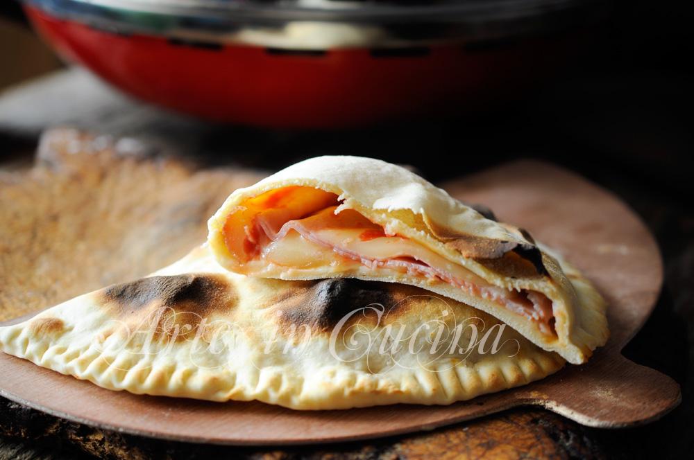 Calzone di piadina farcito con il fornetto Ferrari vickyart arte in cucina