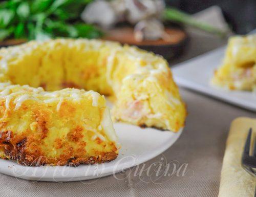 Ciambella di patate dal cuore filante e prosciutto