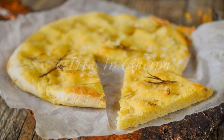 Focaccia con patate al rosmarino veloce
