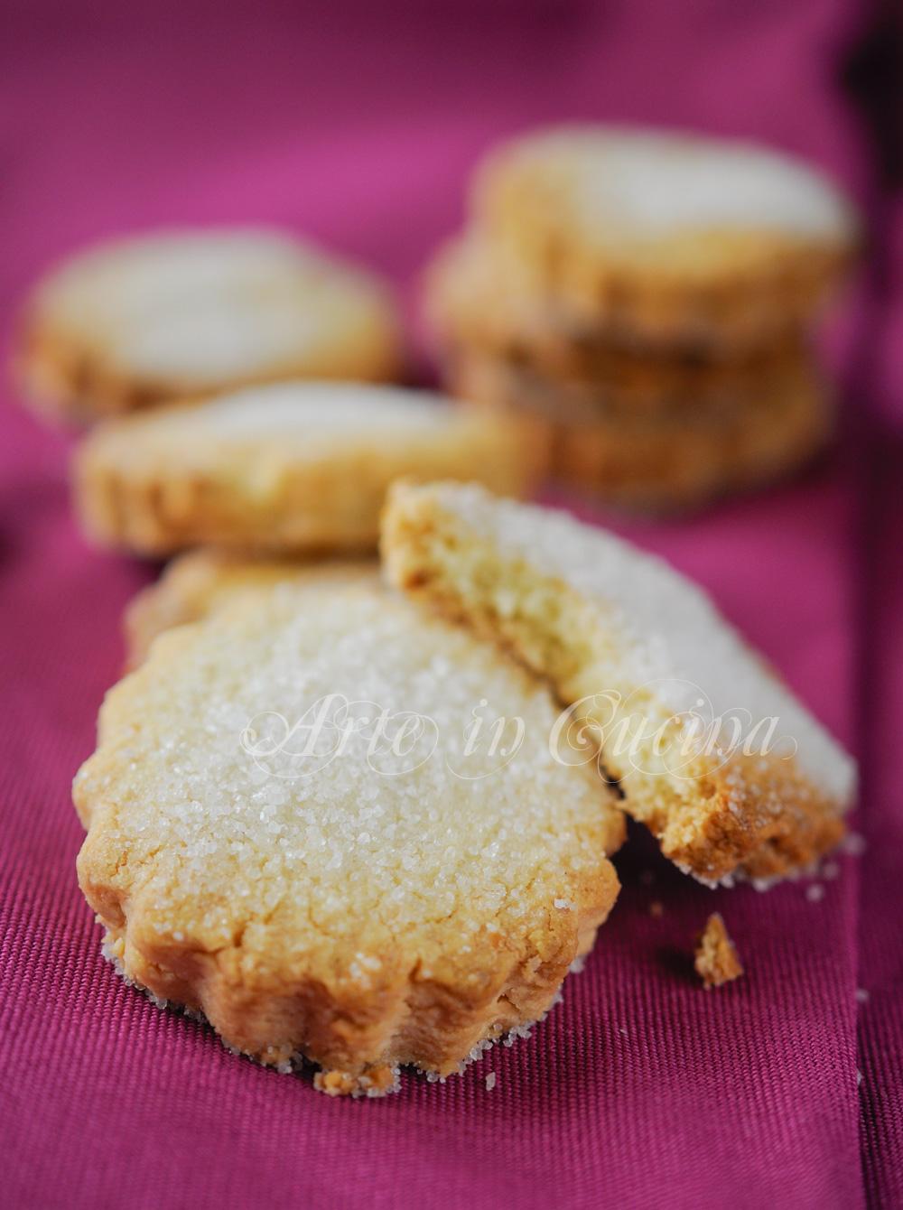 Frollini alla granella di mandorla ricetta biscotti vickyart arte in cucina
