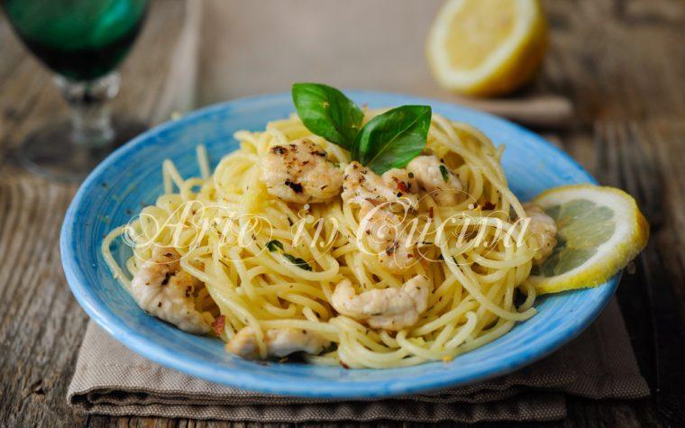 Spaghetti con pollo al limone ricetta veloce