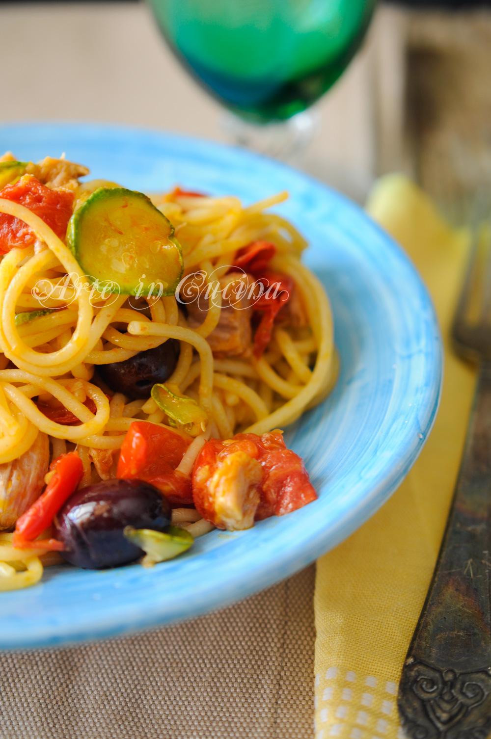 Spaghetti zucchine tonno e olive ricetta veloce vickyart arte in cucina