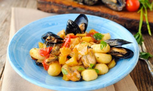 Gnocchi con cozze e patate ricetta facile