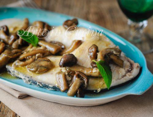 Pesce spada con funghi in padella ricetta veloce